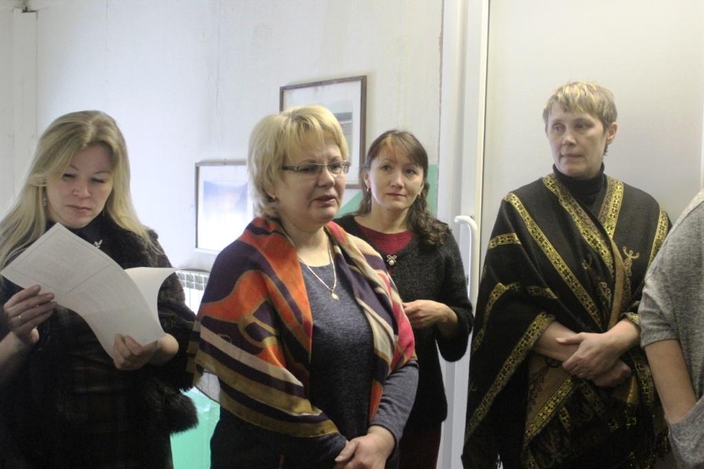 Рассказывает Юлия Владиленовна Бутюкова (вторая слева)